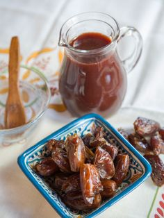 Date Honey Syrup - Recipe for Middle Eastern Silan, sweet condiment made only of pure natural dates on ToriAvey.com