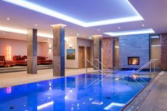 Contemporary design and unusual architecture for demanding travellers. Outdoor Pool, Pool Indoor, Premium Hotel, Alpine Style, Steam Bath, Workout Rooms, Cool Rooms, Warm Colors, Resort Spa