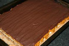 miremirc...bucataria in imagini: Prajitura Snickers Snickers Cake, Caramel, Pie, Desserts, Food, Deserts, Recipes, Bakken, Sticky Toffee