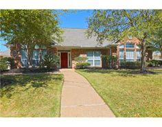 5007 Congressional Ct, College Station, TX This home has been recently updated in the kitchen and the master bath.  The gourmet chef in your house will enjoy the granite counters,  updated appliances, counter space and all that the kitchen offers.  Wonderful split floor plan with views to the backyard from kitchen, living and master. Enjoy outdoor entertaining? The large deck and covered patio provides plenty of visiting space for all to enjoy!