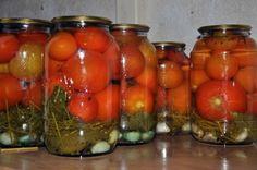 Бабушка советует солить помидоры именно так