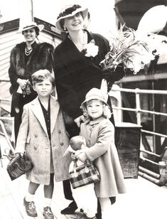 Queen Marie and Grandchildren Visit England Press Photo, July 1936