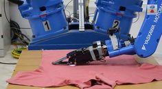 Η χαρά της νοικοκυράς... ρομπότ σιδερώνει ρούχα! #ΤΕΧΝΟΛΟΓΙΑ