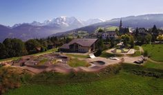 Aménagement d'une pumptrack face au Mont Blanc | Combloux, France | BikeSolutions