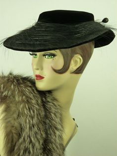 VINTAGE HAT 1950s FRENCH BLACK VELVET & FEATHER, NEW LOOK PICTURE HAT, STUNNING!