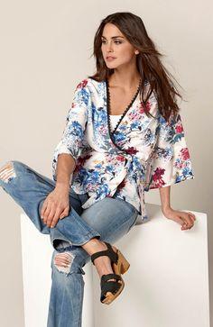 40b7619ab6 Modne kimono z pięknym nadrukiem od Happy Holly http   www.halens.