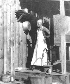 Chinese cooks were often employed by hotels and wealthy citizens in Idaho. This man worked on an Idaho cattle ranch.