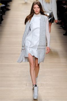 Smartologie: Paco Rabanne Fall 2012 - Paris Fashion Week
