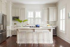white kitchen | Allison Elebash Interiors