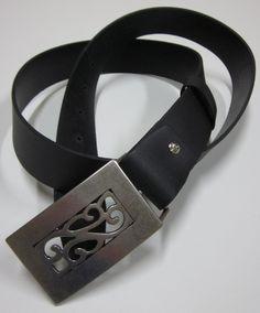 cc5d983f1 Opasky - čierny kožený opasok s historickou prackou