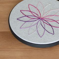 Lovely little embroidery pattern - playing with color
