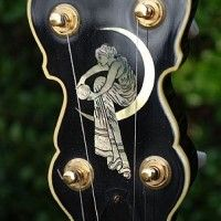 This outstanding banjo was hand-made by Norbert Pietsch one of the world's finest custom banjo builders. This is an outstanding instrument in all respects that is in ear-mint condition. OHSC Go here for more info on Pietsch banjos: http://www.pietsch-banjos.de/pbc/
