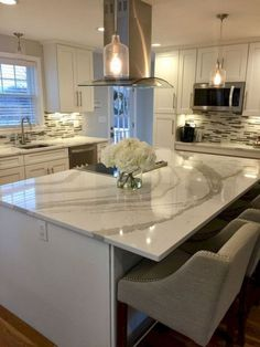 Luxury White Kitchen Cabinets Ideas 04