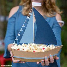 Ship Party Snacks with This DIY Paper Sailboat Centerpiece! - DIY Paper Sailboat Centerpiece for Treats - Nautical Centerpiece, Party Centerpieces, Centerpiece Wedding, Wedding Favors, Party Favors, Spongebob Birthday Party, Baby Birthday, Sailor Birthday, Birthday Snacks