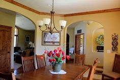 Favorite Paint Colors: Paint Colors that go with WOOD {trim and cabinets} + My Favorite Neutral Paint Colors Natural Wood Trim, Oak Wood Trim, Ceiling Paint Colors, Neutral Paint Colors, Pale Yellow Walls, Painting Oak Cabinets, Home Decoracion, Favorite Paint Colors, Kitchen Paint Colors
