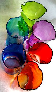 Rainbow colours in glass vases Fused Glass, Stained Glass, Blown Glass, Jolie Photo, World Of Color, Over The Rainbow, Colored Glass, Rainbow Colors, All The Colors