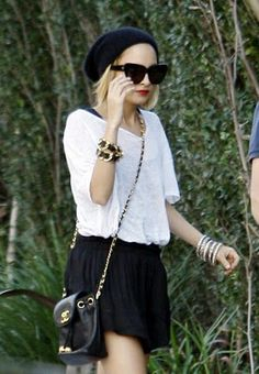 Love Nicole's entire look here. Every single clothing piece and accessory. Love it!