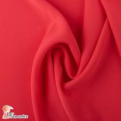 """Nuestro modelo """"Dama"""" es uno de los productos estrella de esta temporada.   Un crespón con mucha caída, disponible en una gran variedad de colores.  Disponible en https://flamentex.es/tejidos/Dama/0"""