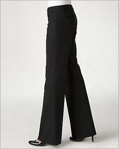 Cuando elijas un pantalon de vestir, elije uno que sea de una tela media, es decir ni muy gruesa, ni muy delgada