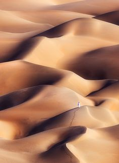 Chocolate Dunes, Alone, the Empty Quarter Desert in Abu Dhabi, UAE, by Khalid… Abu Dhabi, Khalid, Desert Dunes, Beautiful World, Beautiful Places, Deserts Of The World, Salinas, Landscape Mode, Belleza Natural
