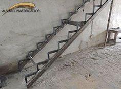 cuerpo metalico de escalera