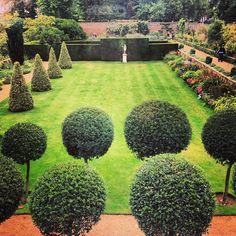 Fenton House in Hampstead. Fenton House, Sunken Garden, English Gardens, Barnsley, North London, London Life, National Trust, Topiary, Detached House
