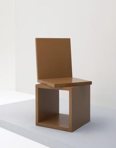 Prototype 'Original' chair by Rolf Sachs in Design on December 2006 at the null null sale lot 266 Unique Furniture, Wood Furniture, Furniture Design, Bauhaus Furniture, Cardboard Chair, Cube Design, Stool Chair, Minimalist Furniture, Modern Chairs