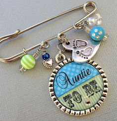 Grandma To Be pin Mom To Be pin Aunt To Be by buttonit on Etsy