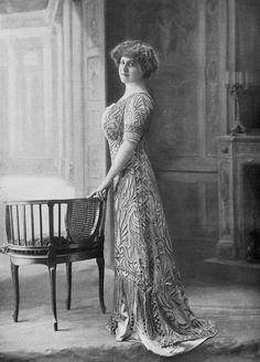 robe de diner 1910 | Les Modes (Paris) 1910 robe de diner par Redfern