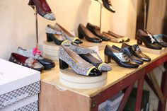London's Peponita Shoes produces some of the most stunning yet practical, vintage-inspired heels around. Vintage Style Shoes, Columbia Road, Fascinator, Vintage Inspired, Fashion Shoes, Vintage Fashion, Walking, Style Inspiration, Stylish