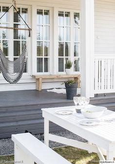 That patio outdoor area 😍 Outdoor Rooms, Outdoor Living, Outdoor Gardens, Outdoor Decor, Outside Living, Decks And Porches, Home And Deco, Coastal Style, Home Fashion