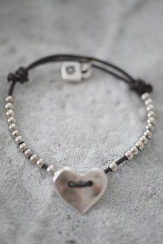 site>>PANDORA Jewelry Online Shop More than off! Leather Jewelry, Boho Jewelry, Jewelry Crafts, Beaded Jewelry, Jewelry Box, Jewelery, Jewelry Bracelets, Jewelry Accessories, Handmade Jewelry