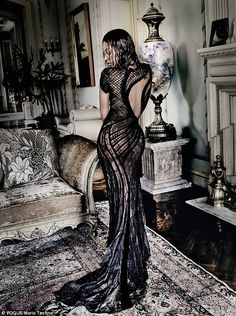 Beyonce looks amazing in the brand new September issue of Vogue, as she shows off her shapely curves and powerful prowess in photos taken by the iconic Mario Testino