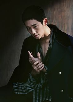Jung Hae In - Allure Magazine December Issue Korean Face, Korean Star, Asian Actors, Korean Actors, Marie Claire, Korean Photography, Cute Asian Guys, Asian Boys, Jung In