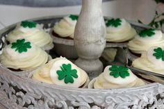 Irish theme wedding,Sweet table,Cup cakes decoration,Clover/Irlandzkie wesele,Słodki stół,Anioły Przyjęć