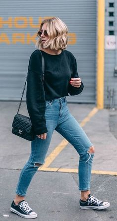 #fall #outfits black crop top