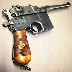 A stunning Mauser Broomhandle. Weapons Guns, Military Weapons, Guns And Ammo, Rifles, Arsenal, Fire Powers, Cool Guns, Shotgun, Firearms