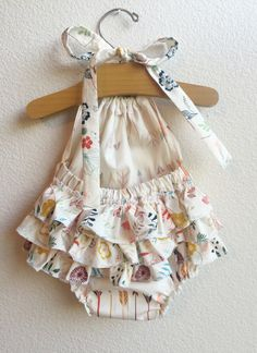 Little Arrows Ruffled Baby Girl Romper от ALittleArrow на Etsy