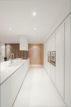 Minimalist Kitchen // white on white // Penafiel House / Graciana Oliveira Farmhouse Style Kitchen, Modern Farmhouse Kitchens, Cottage Kitchens, Black Kitchens, Minimalist Kitchen, Minimalist Interior, Modern Interior, Modern Kitchen Design, Interior Design Kitchen