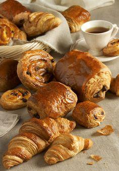 viennoiserie - Croissans, Pain aux raisins, Pain au chocolat & café