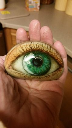 Eye painting creepy 18 Ideas for 2020 Rock Painting Patterns, Rock Painting Ideas Easy, Rock Painting Designs, Paint Designs, Eye Painting, Pebble Painting, Pebble Art, Stone Painting, Painted River Rocks