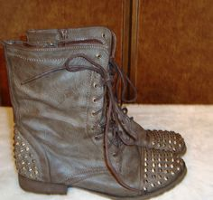 Breckelles Sz 10M Women's Georgia Brown & Silver Spikes Lace Up Combat Boots…