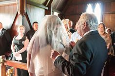 Mantells wedding photography, Mt Eden. Creative Auckland wedding photographers Jel Photography. Alternative photojournalist photography www.jelphoto.co.nz