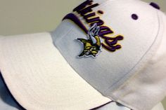 MINNESOTA VIKINGS VINTAGE TWINS ENTERPRISE/47 BRAND FITTED SIZE 7 1/8 CAP…