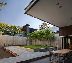 Captivating modern lake house