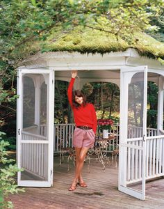 This should be cheaper..........less wood and more screen. Green goddess: inside Helena Christensen's New Zealand retreat gallery - Vogue Australia