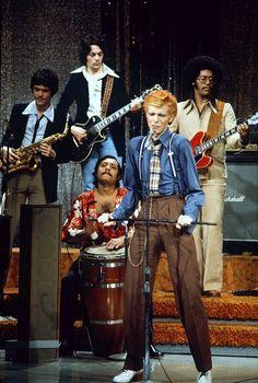 """glamidols: """" David Bowie """""""