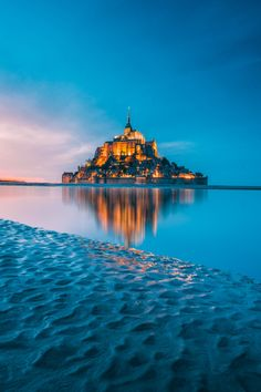 Mont Saint-Michel World Heritage Tourist Attraction Spots Superb Views Mont Saint Michel France, Le Mont St Michel, Best Vacation Destinations, Best Vacations, Visit Bordeaux, France Photos, France Travel, Family Travel, Places To See