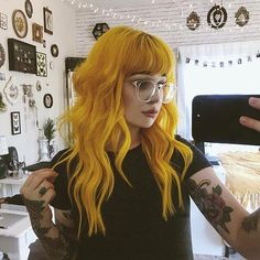 Image discovered by gabidino. Find images and videos about hair, hair goals and yellow hair on We Heart It - the app to get lost in what you love. Hair Color Blue, Cool Hair Color, Green Hair, Colored Hair, Peach Hair, Hair Colours, Yellow Hair Dye, Funky Hair Colors, White Hair