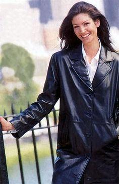 Reflections of Christmas past Shakira Photos, Long Leather Coat, Christmas Past, Vintage Leather, Daydream, Raincoat, Jackets, Woman, Fashion